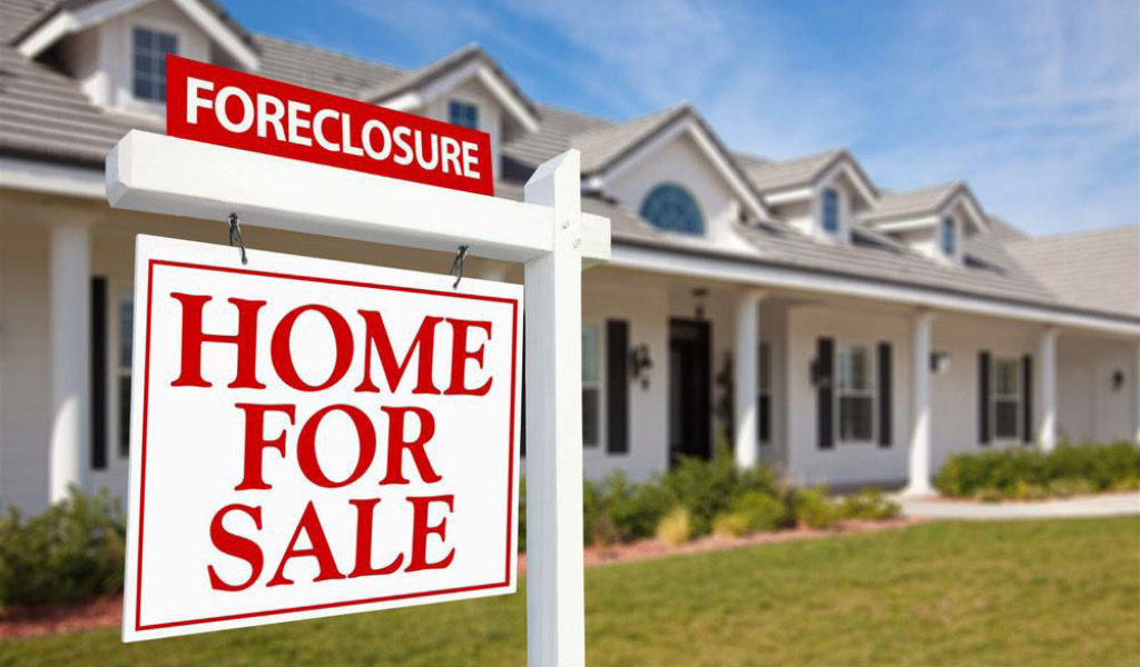 Is Buying an Omaha and Council Bluffs Foreclosure Really a Good Idea