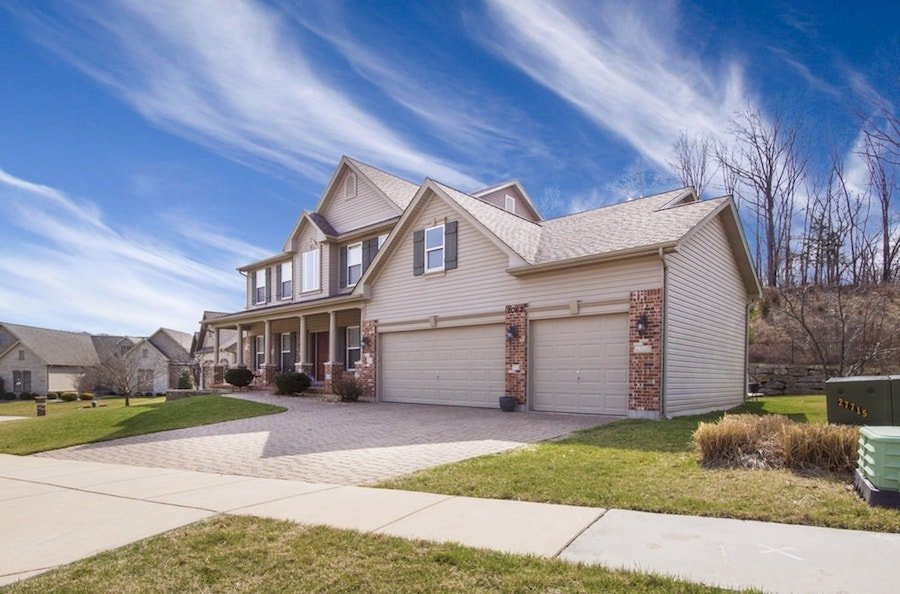 selling your house in Milwaukee - a complete guide