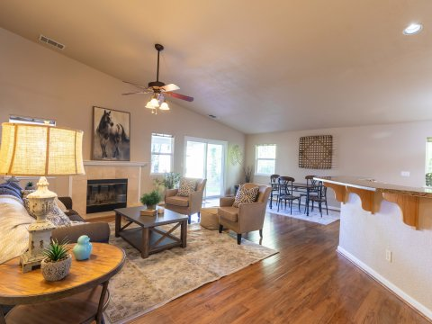 Family Room of 5257 Mohican Way, Antioch, CA 94531