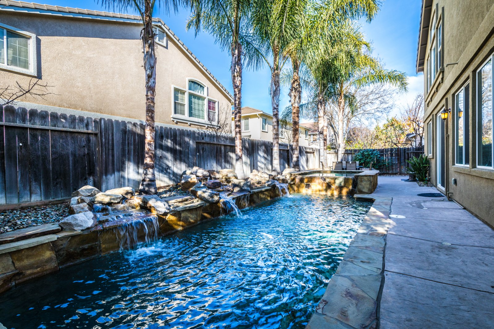 Home For Sale In Brentwood