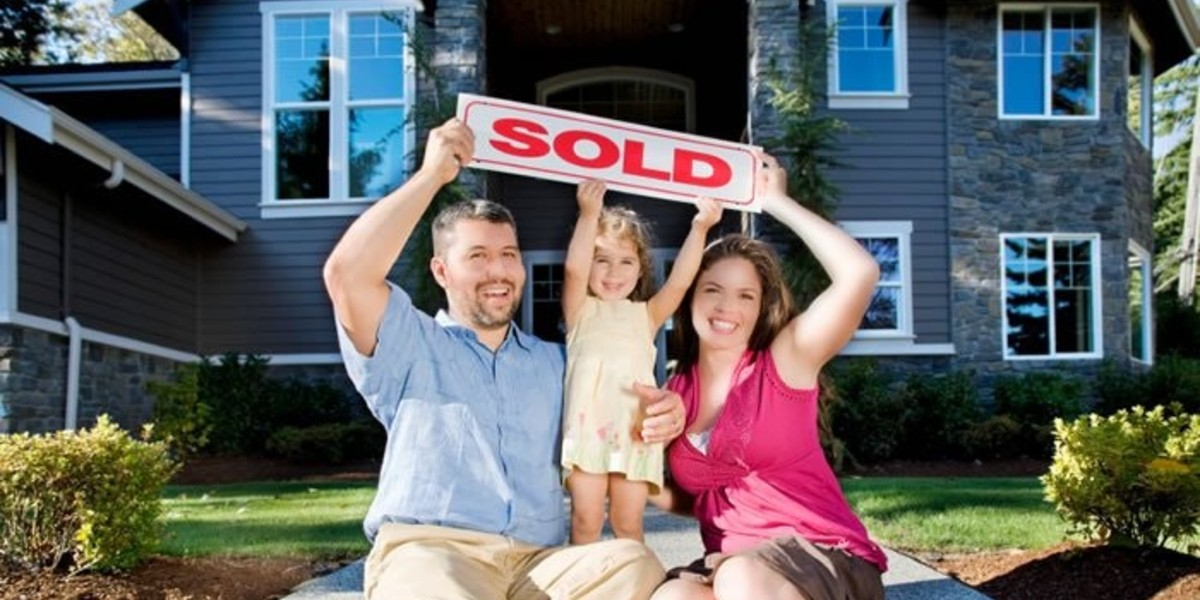 How to sell your House Quickly | family holding sold sign