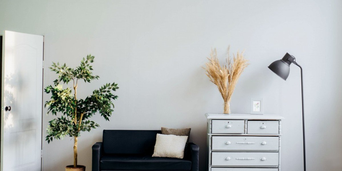 Ways to Stage Your House for a Winter Sale   dresser and lamp