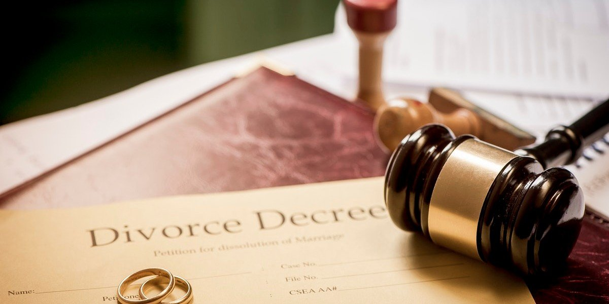 Selling Your House during Divorce | gavel and papers