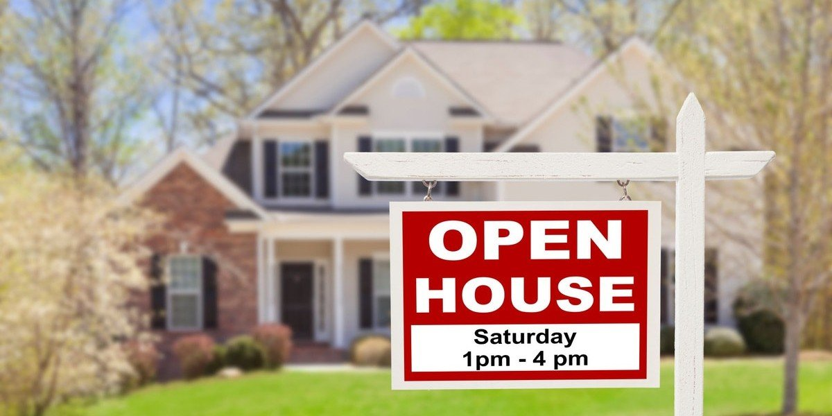 Summer Open House | sign in yard