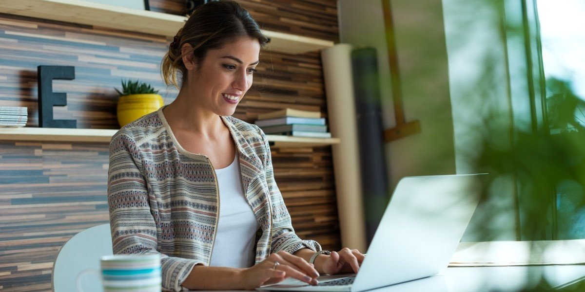 Profiting from Probate Properties   woman on computer