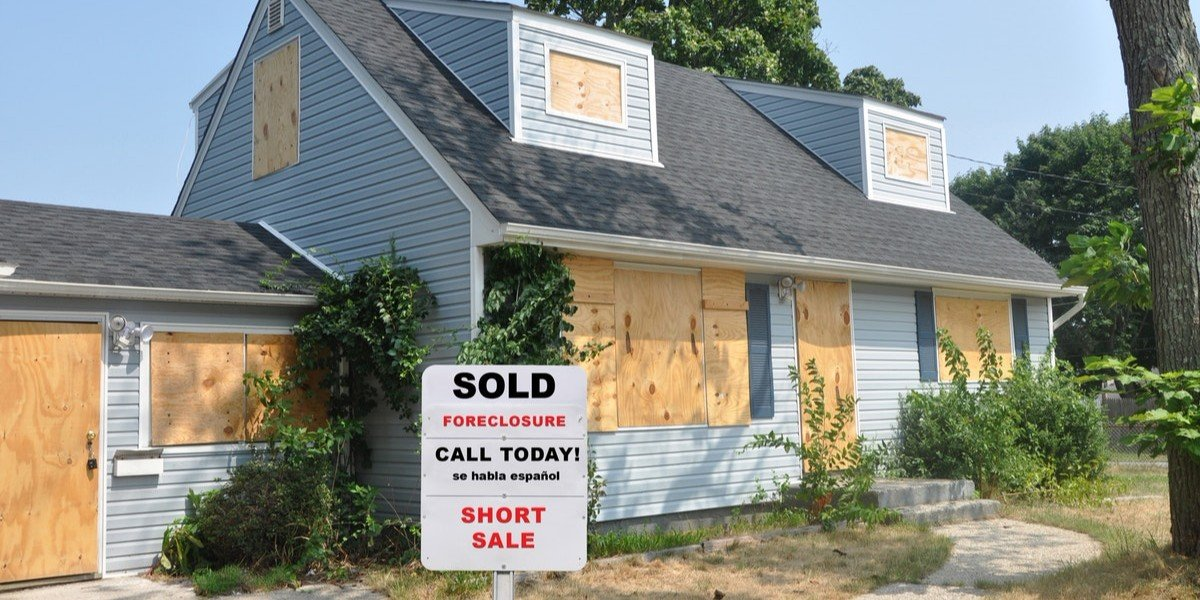 How To Buy Foreclosures | distressed sale