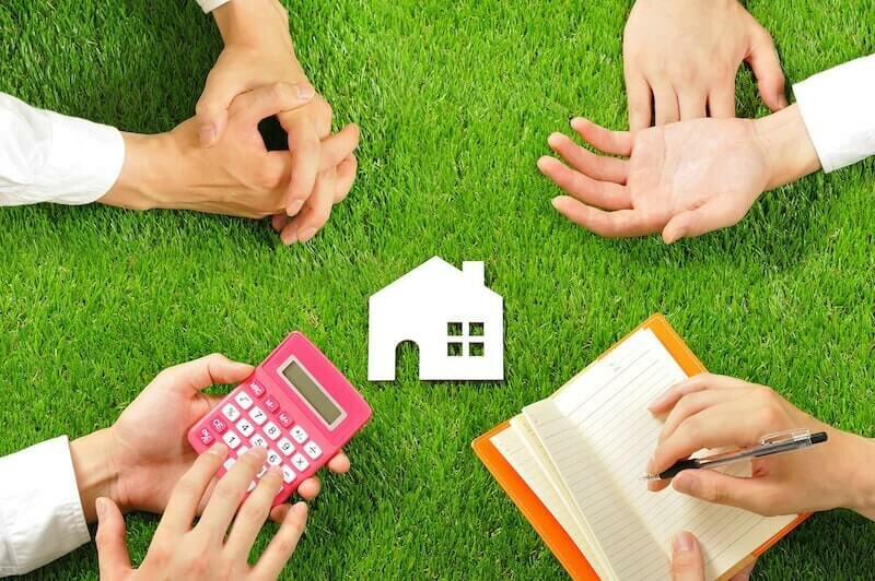 House miniature and hand,Green turf - siblings computing partition from inheritance