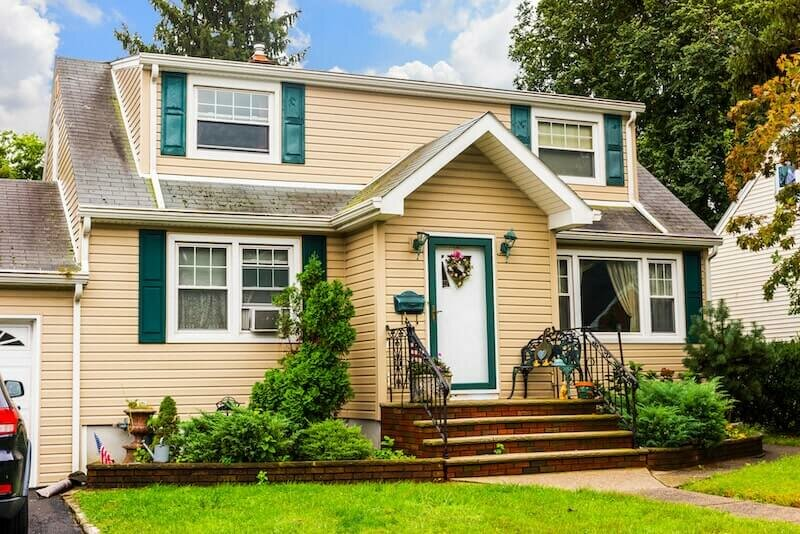 House in foreclosure for sale fast for cash in RI