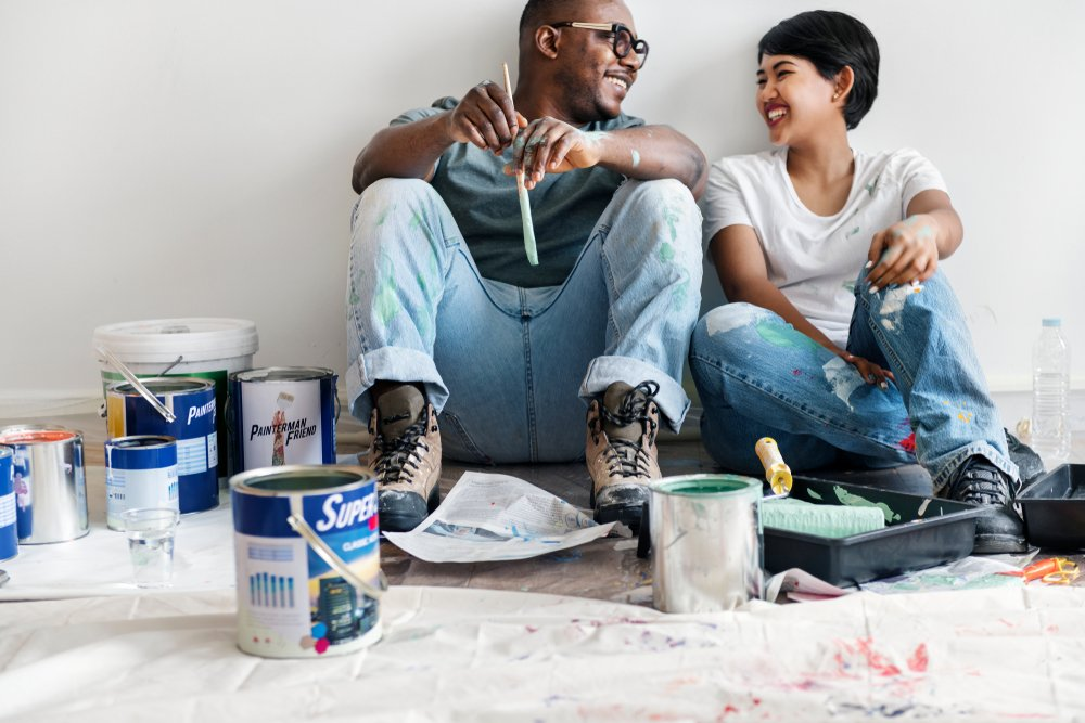 Painting neutral colors to stage a home