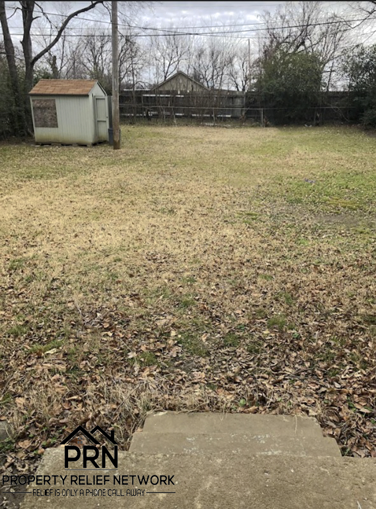 E 3rd Pl Tulsa - backyard