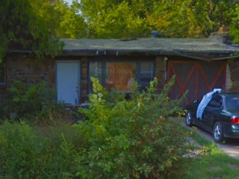 E 40th Pl N Tulsa - front