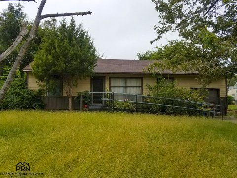 N Iroquois Ave Tulsa - far front