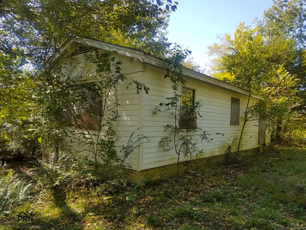 N Quaker Ave Tulsa - sideview