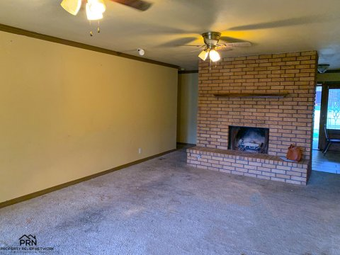 E 89th Pl Tulsa - inside 2