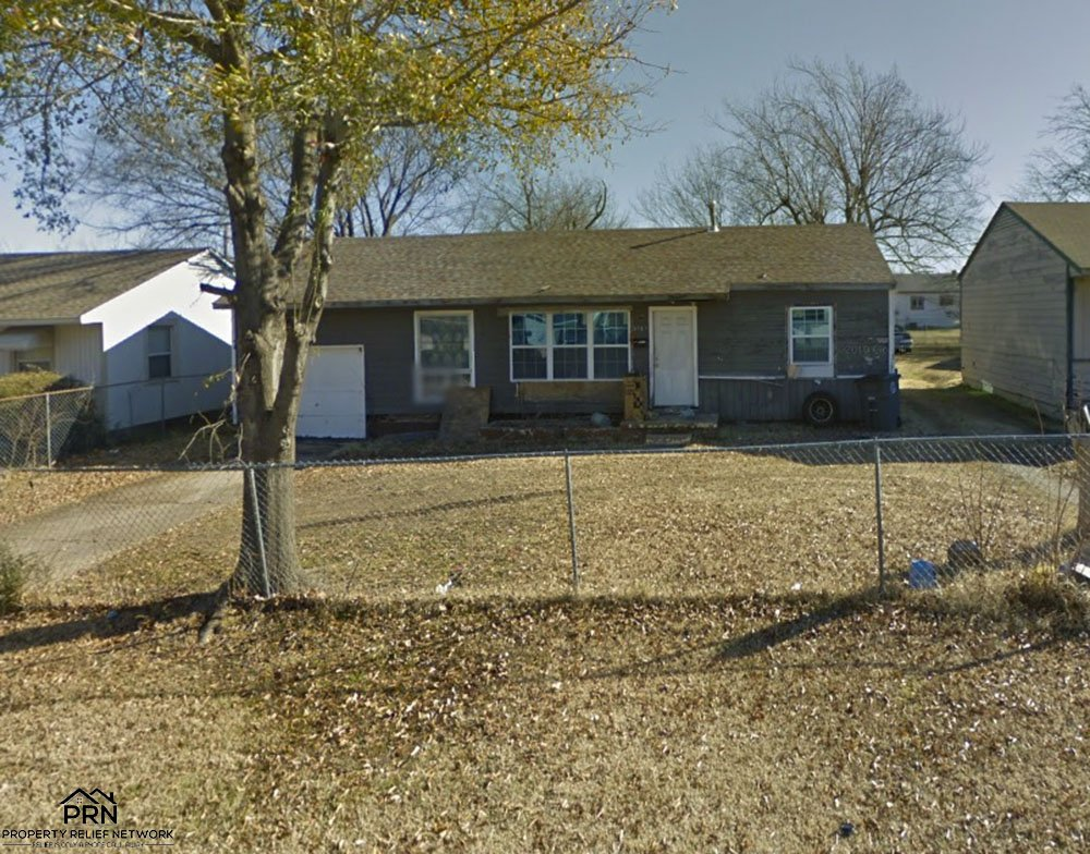 N Hartford Pl Tulsa - front far 2