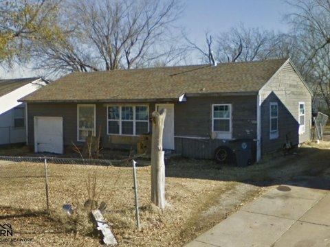N Hartford Pl Tulsa - sideview
