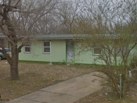 E 45th St N Tulsa - close front