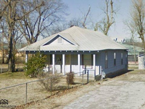 W Newton St Tulsa - sideview 2