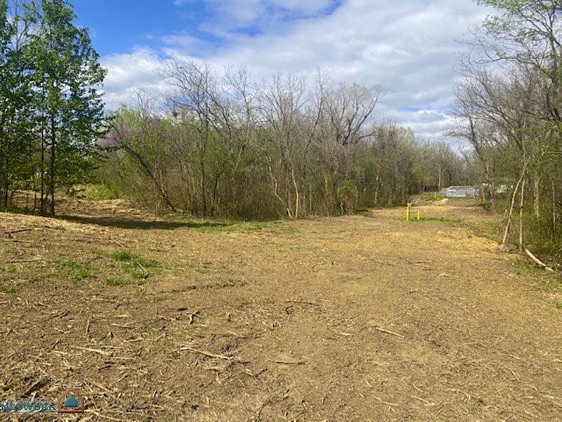 26180 E 18th St S - land photo 4
