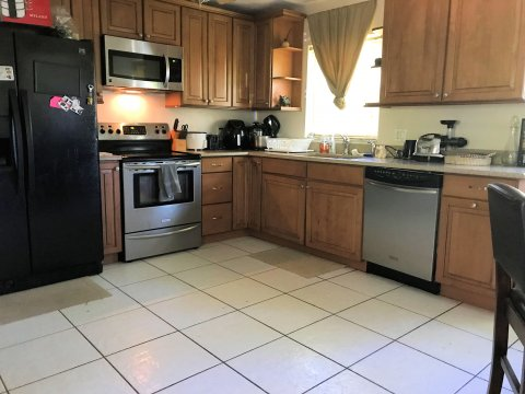 Rent to Own Home in Orlando FL - Kitchen
