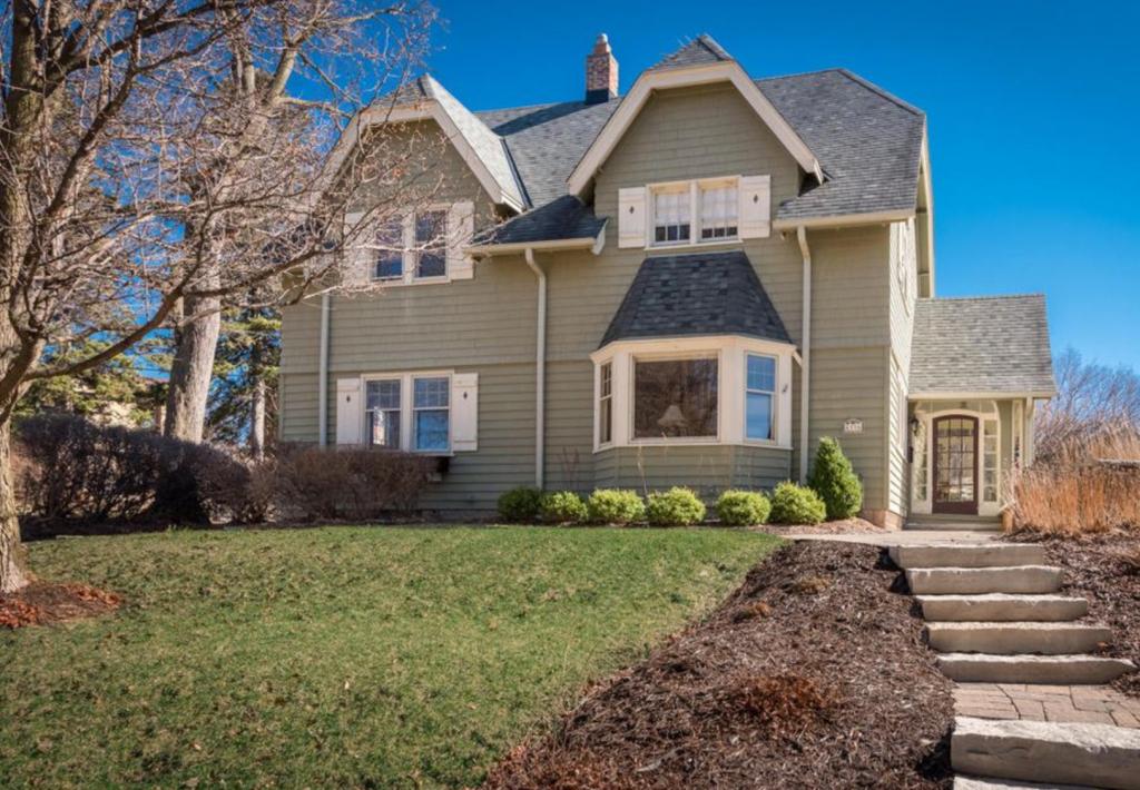 single family house investor