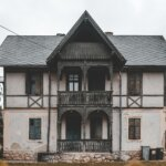 4 Things That Could Cause The Sale of Your [market_city] or Northern Kentucky House to Fall Through - old house