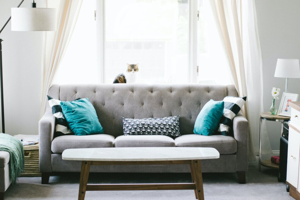 6 Things People Forget To Do When Selling a House in Cincinnati and Northern Kentucky - Living room area