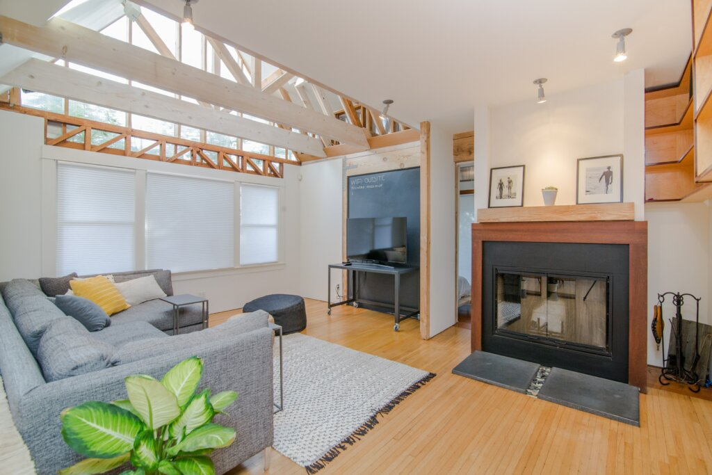 5 Things Your Agent is Responsible For When Buying a House in Cincinnati or Northern Kentucky  - Living room