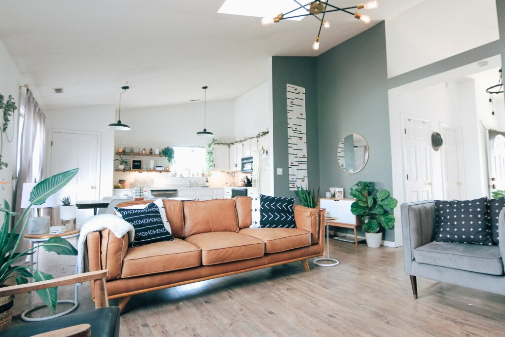 6 Things You Can Do To Sell Your House Fast in Cincinnati or Northern Kentucky - living room