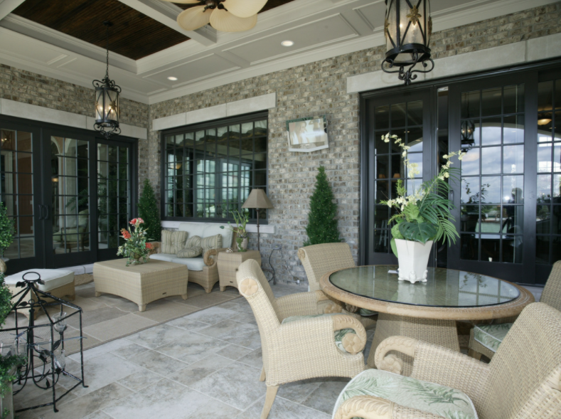 Multigenerational Home - Living room