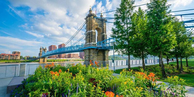 roebling bridge, smale park - flowers - great date location in cincinnati oh