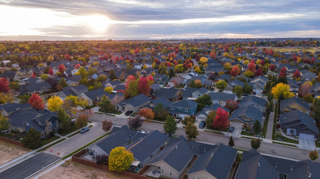 Things to Pay Attention to When Choosing Your New Neighborhood - Community