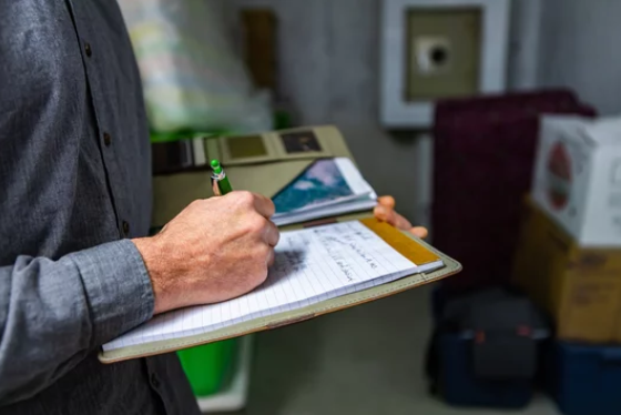 Choosing The Right Home Inspector- Notebook