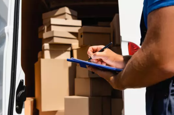 Things to Look for When Renting a Moving Truck- Movers