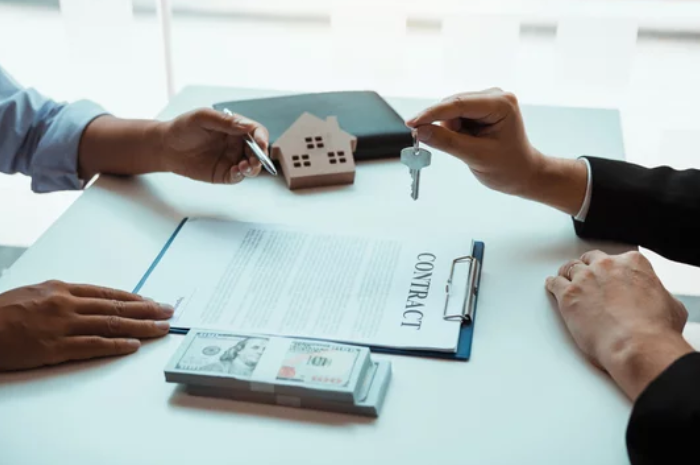 Renting a House vs. Renting an Apartment- Contract