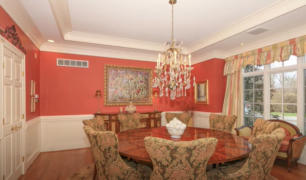 Home Staging Mistakes- Dining table