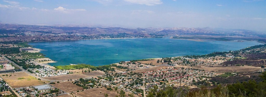 We buy houses Lake Elsinore