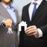 5 Reasons Why it is Better to Work With a Professional Home Buyer in Hamilton Township vs. an iBuyer