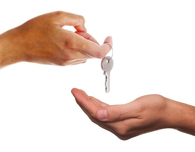 An exchange of house keys
