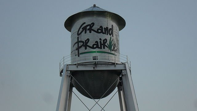 the water tower in grand prairie texas