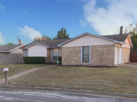 938 Highcrest Dr, Arlington, TX