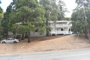 Sell my house fast Crestline. Contact us today because We Buy Houses!