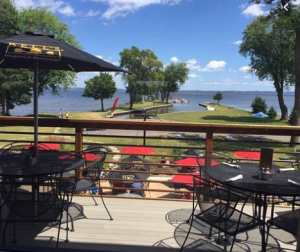 lake winnebago places to eat