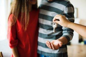 """<img src=""""handing-keys-over.jpeg"""" alt=""""handing over house keys to a man"""">"""