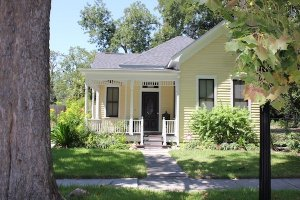 yellow house in Houston, TX