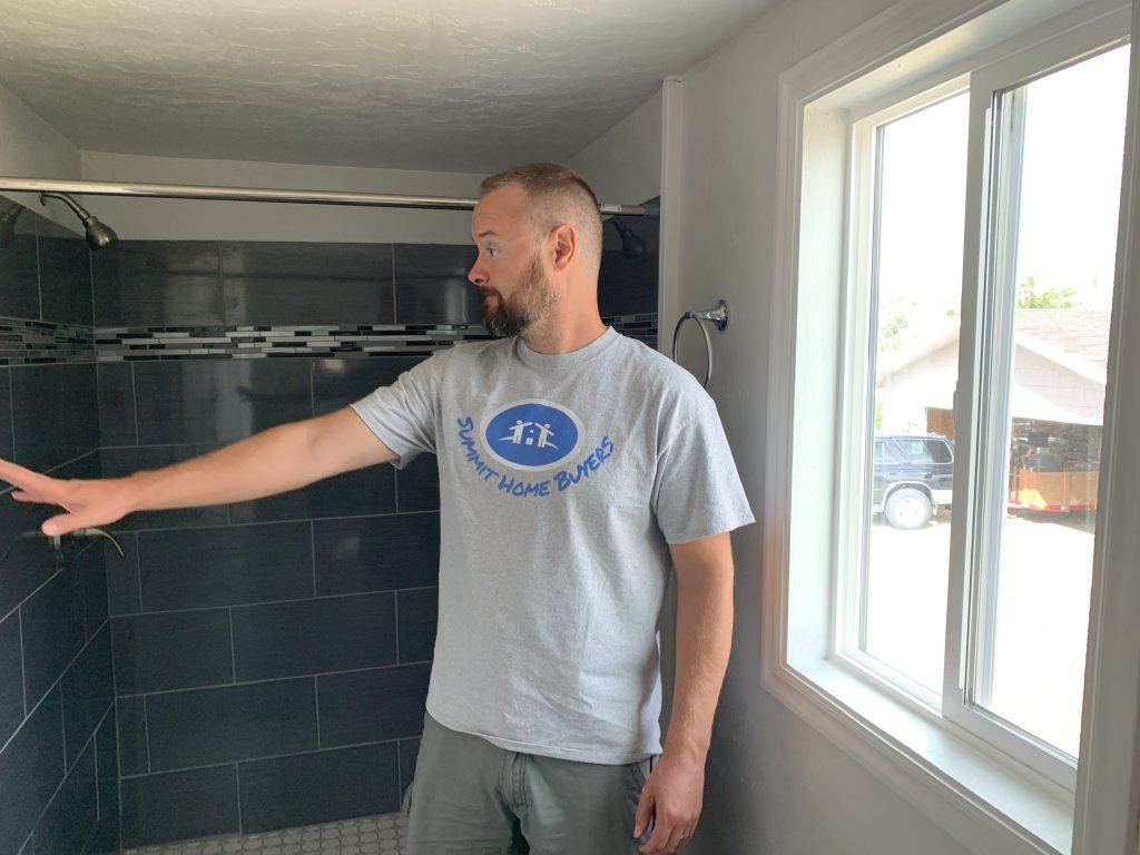 Stan buys Utah houses