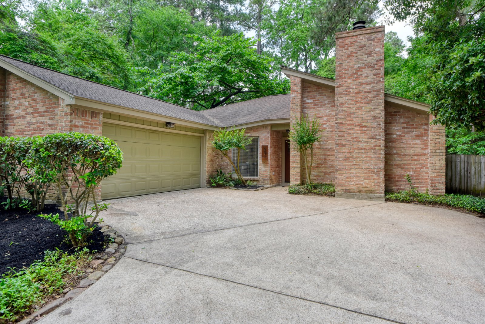 37 Brushwood Ct The Woodlands