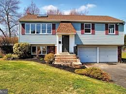 "Find yourself saying ""I need to sell my PA house quick""? We buy  houses in Pennsylvania. Give us a call and we can discuss how to get out of your situation. 717-219-7454"