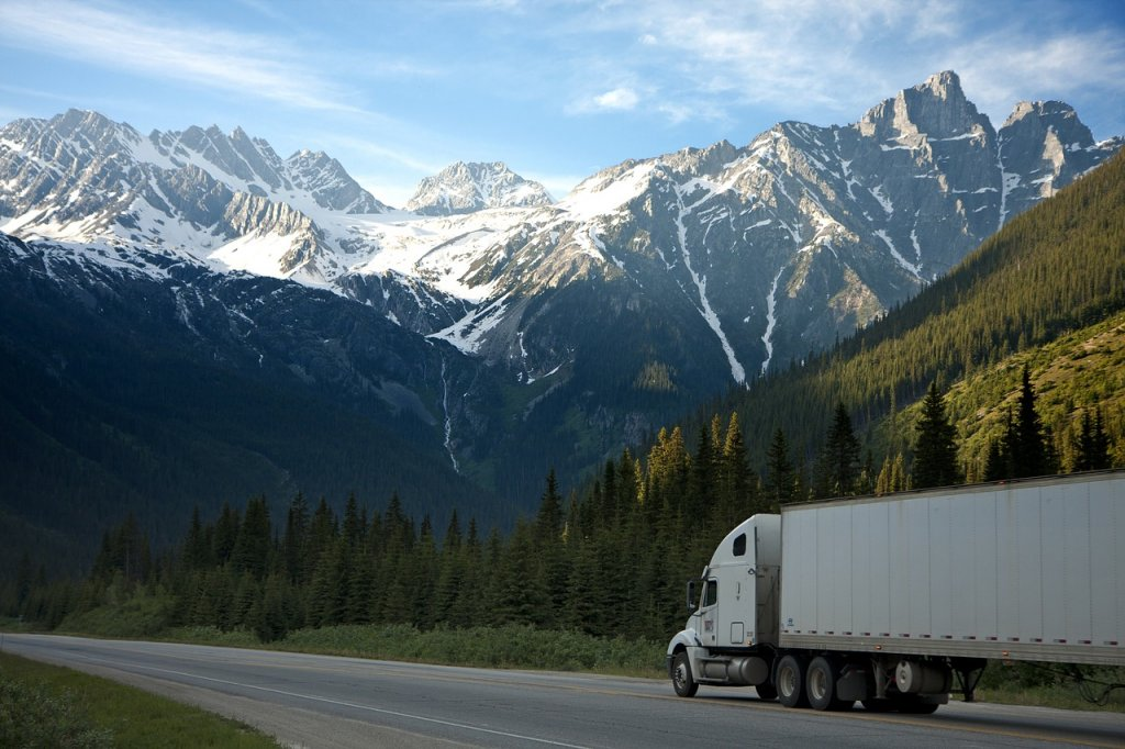 Moving? Learn When to Call a Mover in Nevada