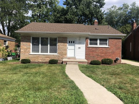Home For Sale in Oak Park Mi